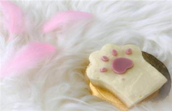 绵绵小猫掌慕斯蛋糕